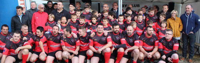 Le rugby club de la manse en rouge et noir reference